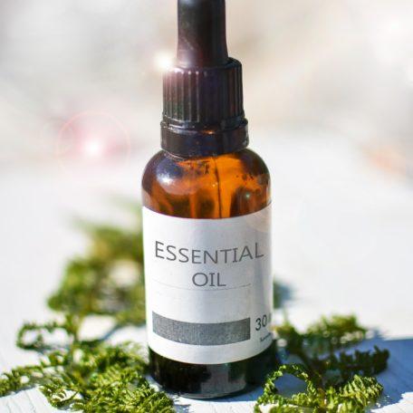essential-oils-2385087_1920